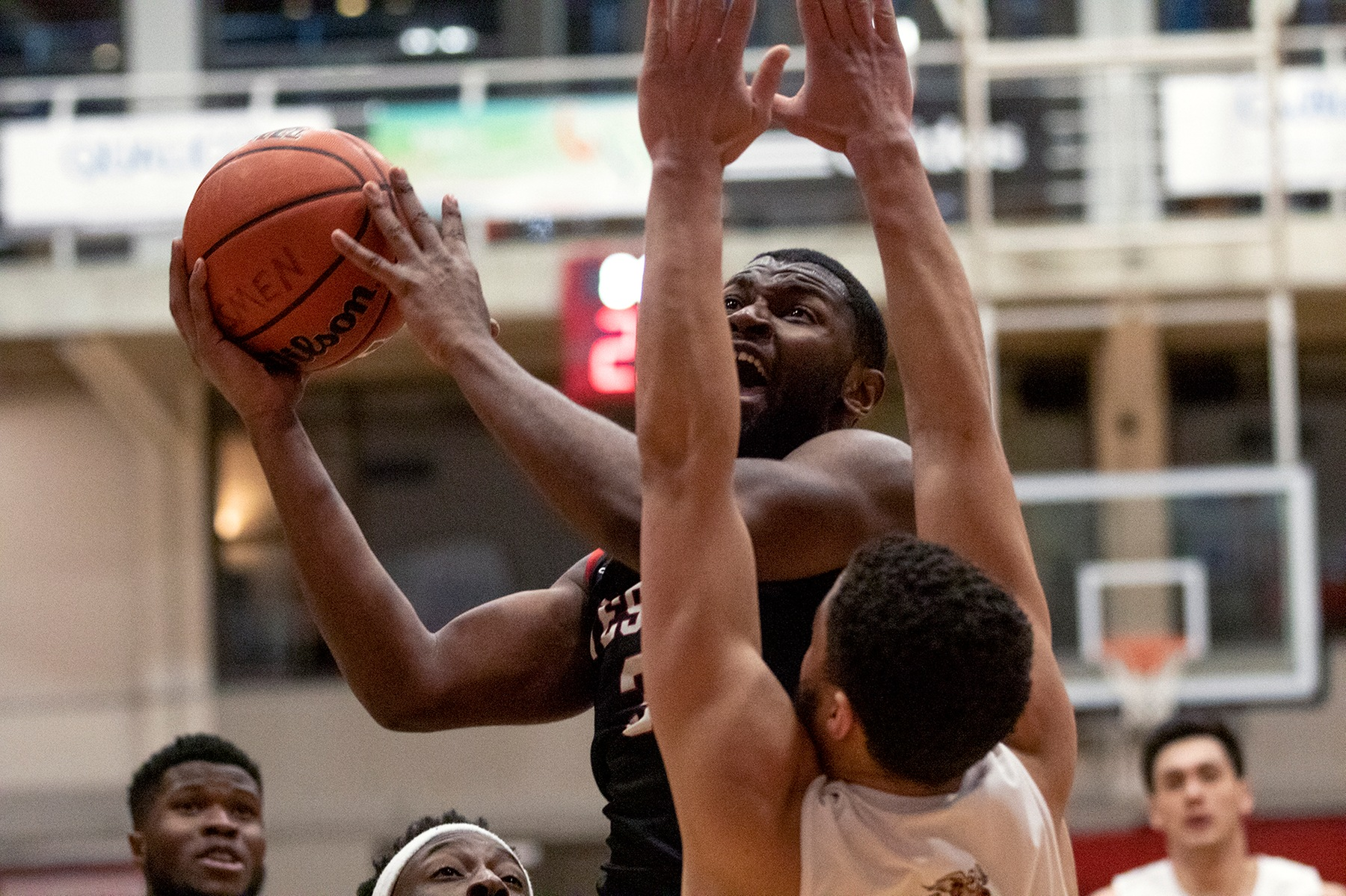 Narcisse Ambanza drives to the hoop against the MacEwan Griffins during Wesmen men's basketball action at the Duckworth Centre on Saturday, Jan. 11, 2020. (David Larkins/Wesmen Athletics)