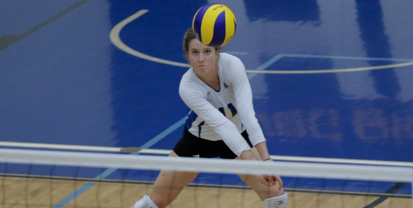 PREVIEW: Women's volleyball lock horns in 1st-place showdown