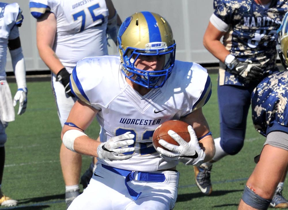 Western Connecticut Defeats Worcester State, 40-13