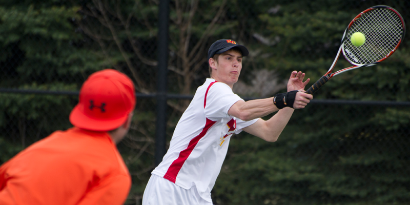 Men's tennis drops matches to Wartburg, Buena Vista