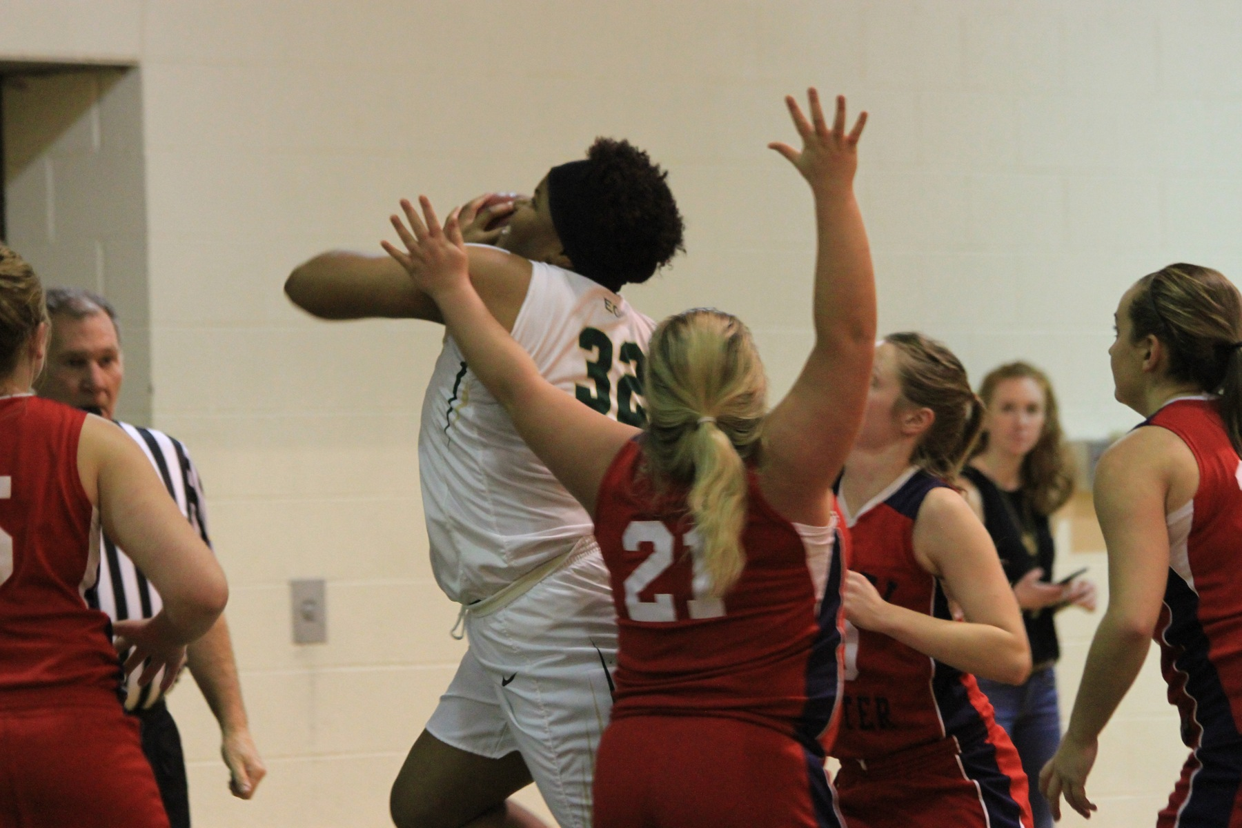 Women's Basketball Fends Off Daniel Webster On The Road