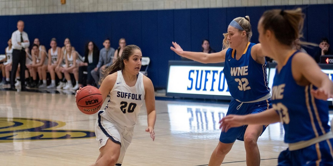 Women's Basketball Takes Down Fitchburg State, 74-71