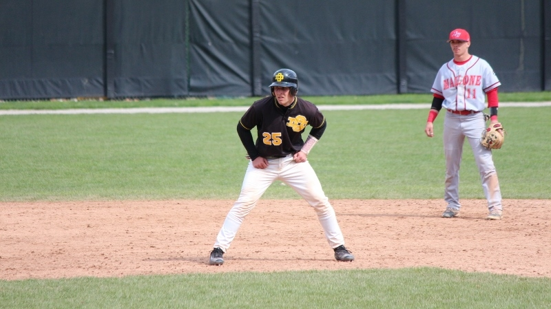 Baseball Suffers Sweep Against Wayne State