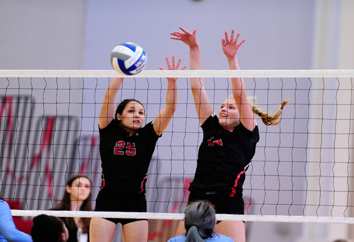 Volleyball Opens Season with Split at Haverford Invitational