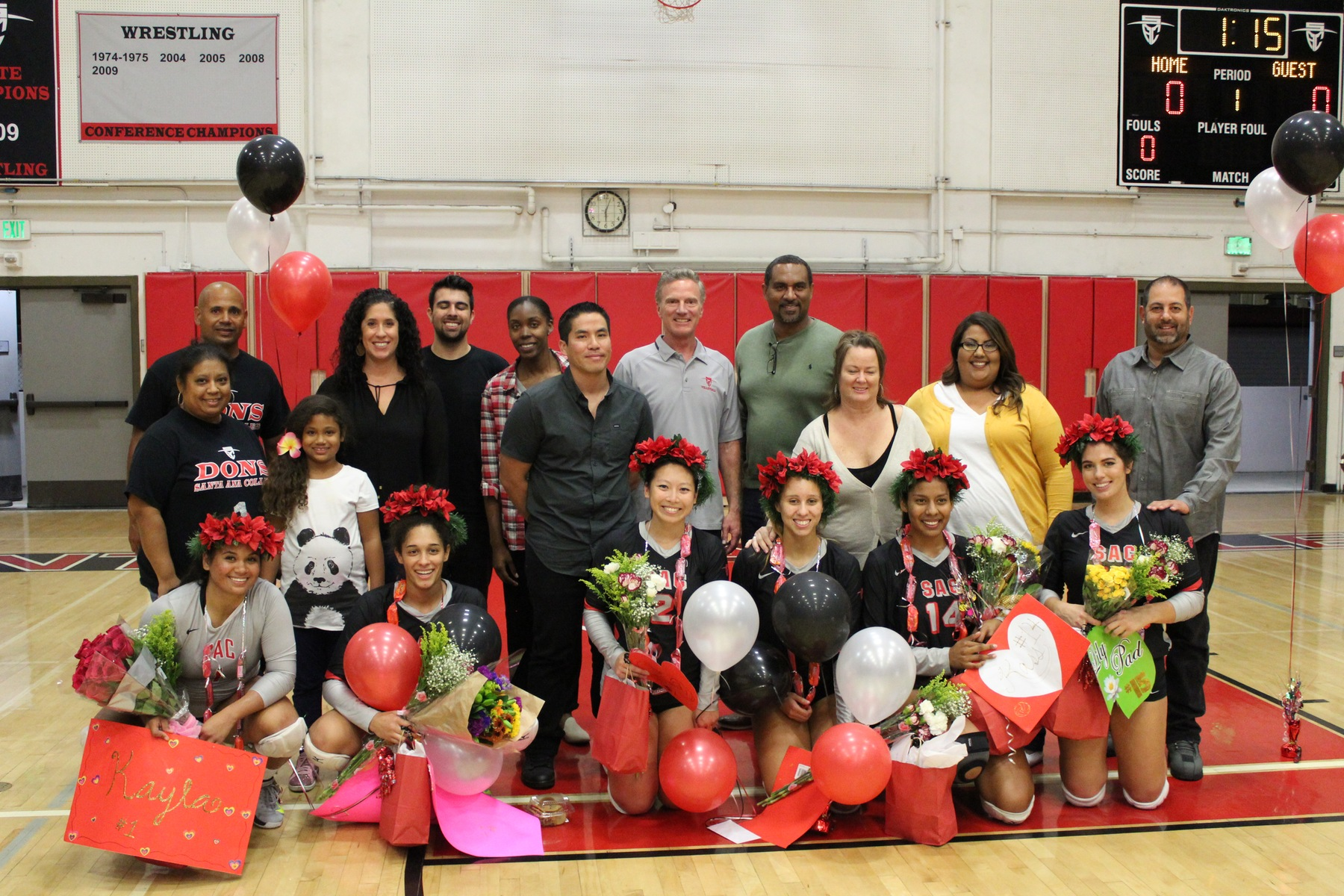Dons Volleyball Honors Six at Sophomore Night